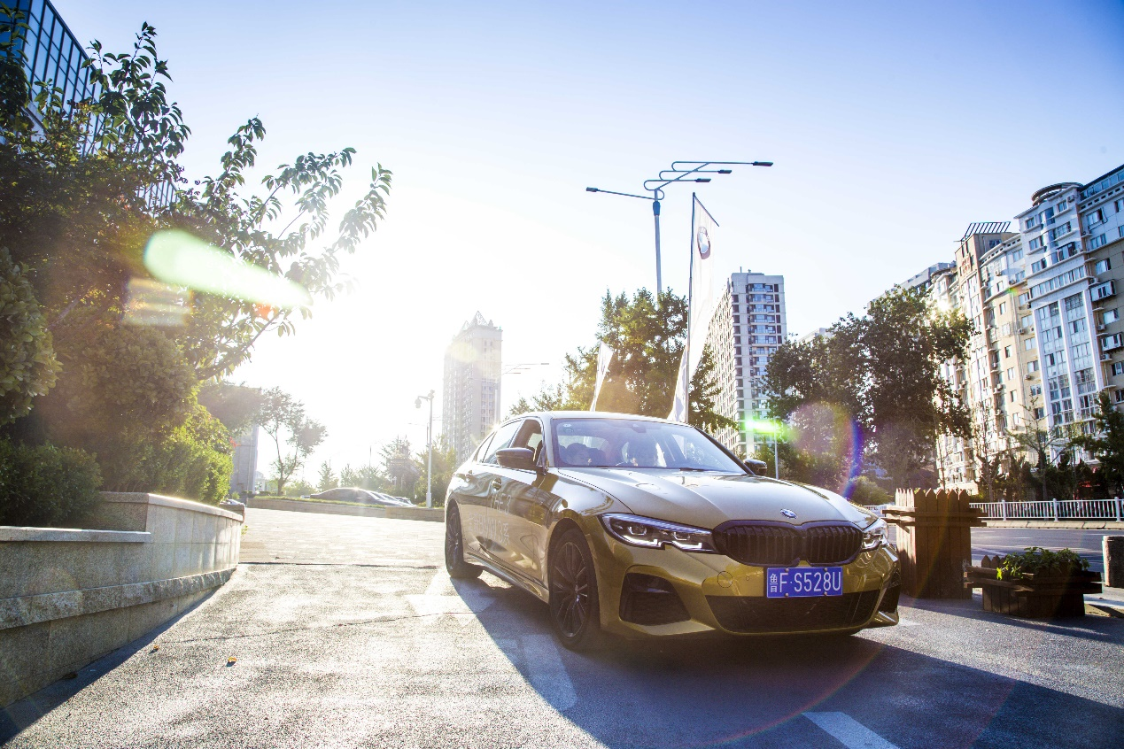 全新BMW 3系,细节控,让女性驾驶更优雅