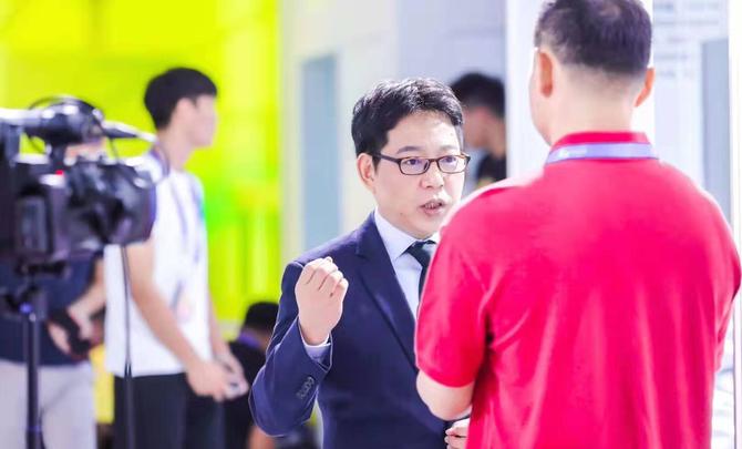 "OPPO吴强:5G争当""奥运冠军""普及5G""全民健身""也不会落下"