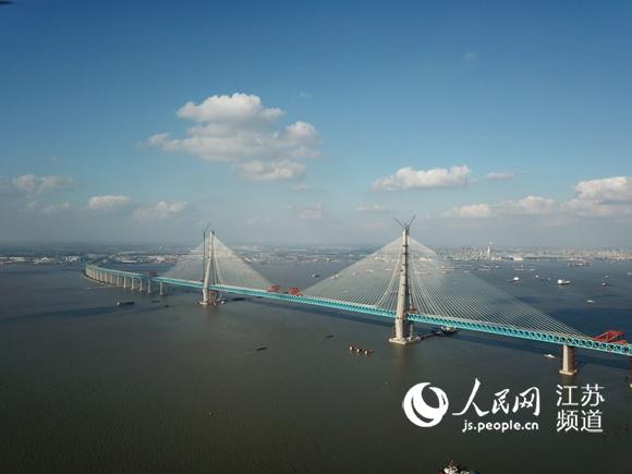 沪通长江大桥成功合龙将于2020年下半年通车