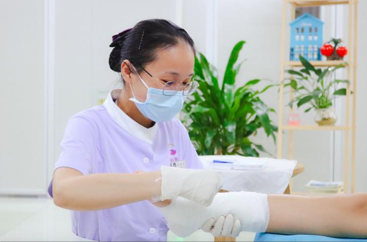 """禅医""""网约护士"""" 引入AR技术,实现人脸识别、远程会诊"""