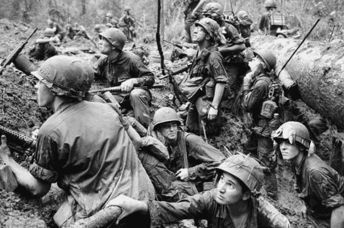 许世友攻下越南谅山时,冲进女兵营看到这场景,气得破口大骂!