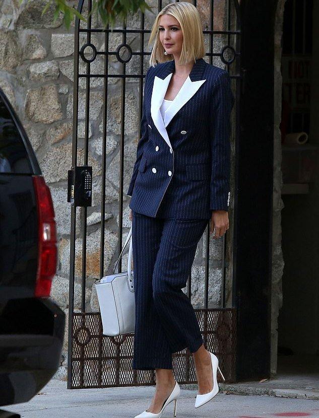 伊万卡还是穿西装帅气!穿7千9双排扣白翻领上衣气场足,果然霸气