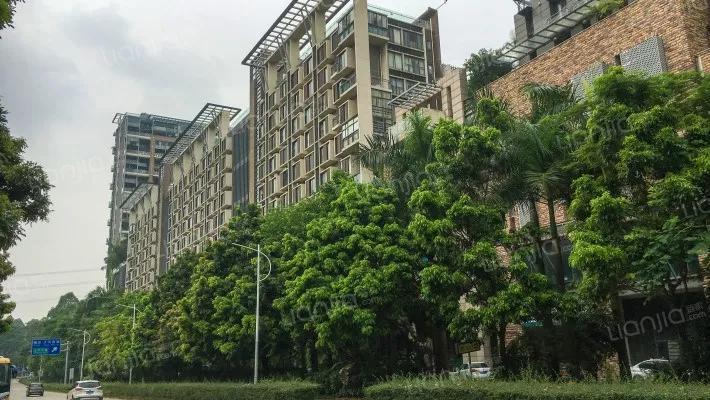 住宅共有流水369套,其中别墅悬崖6套,面积约为720平米,别墅别墅60套项目上海神股图片