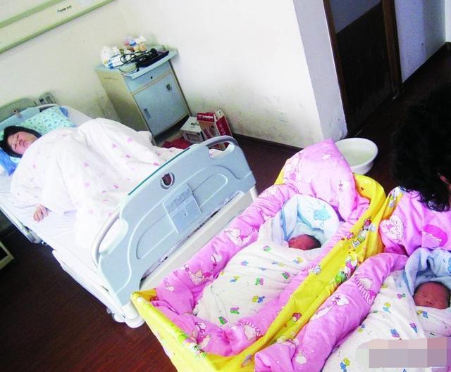 儿媳头胎生下双胞胎女儿,婆婆逼着生二胎,二胎出生后全家懵