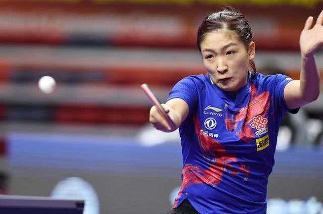 刘诗雯3-0横扫日本一姐,石川佳纯被打懵,小枣强势晋级半决赛
