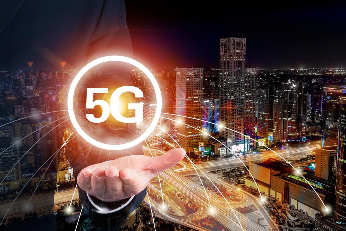 拥有全球半数以上4G基站,光纤进户比例达91%,上网资费降幅超90%,我国已解决覆盖少、网速慢、资费贵三大难题
