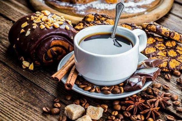 咖啡赛道拥挤如春运:1.3万家店的OYO,2.8万家店的易捷,都来了?