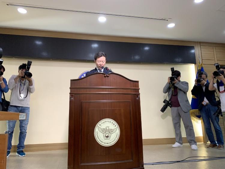 韩国连环杀人案疑凶印象:安静的榜样囚犯,沉着受审否定犯法