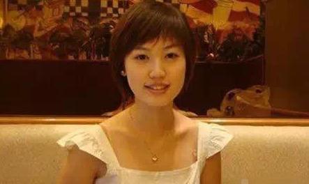 与王宝强离婚后,马蓉一步步回到从前,最后一家公司也被吊销执照
