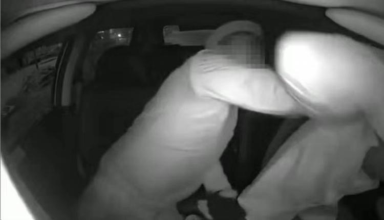 因行车线路起口角,深圳的哥遭醉酒乘客挥拳殴打,一直未还手