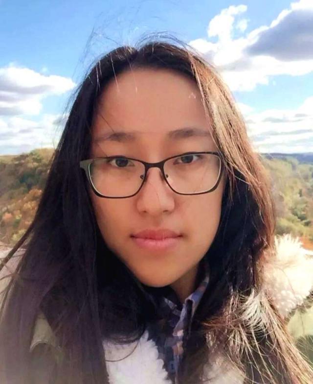 原创留学女生14日失踪至今,所驾驶路虎车现转让平台,留学生谨防安全
