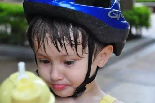 安全天然无泪配方,保护头皮润泽发丝,更加关爱孩子!