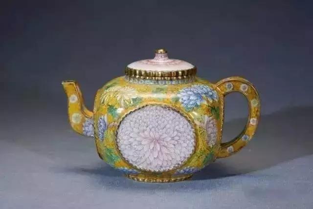 香港温斯顿拍卖行:历代中国风古茶壶赏析!图片