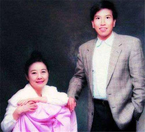 丈夫和妻子告急立下遗嘱:300万英镑的房地产不能让他们的儿子无处可去