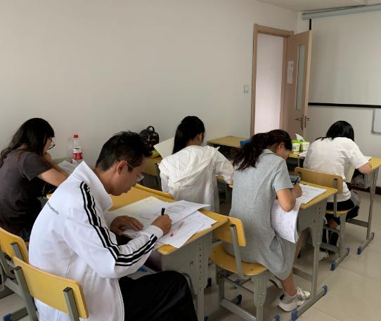 杭州教师编制考试—语文数学今天开课了