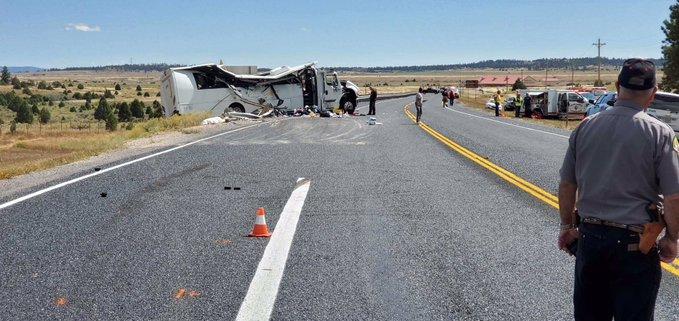 美国犹他州旅游大巴发生事故至少4人死亡警方称乘客讲中文