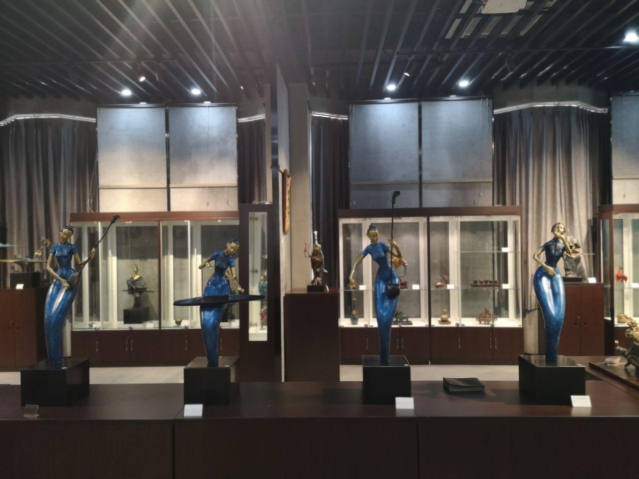 杭州艺术家刘华化腐朽为神奇 铜艺术品吸引人 专家和居民点赞肯定