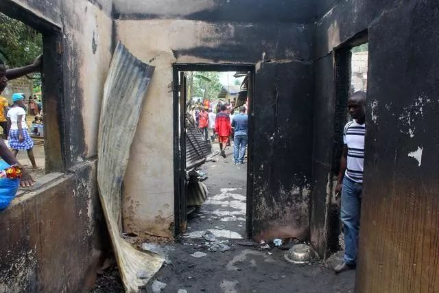 国外一学校大火,已致29死,其中28名学生!