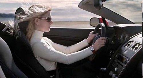<b>开车时听歌会不会被扣分?记住这些,不然驾照就白考了</b>