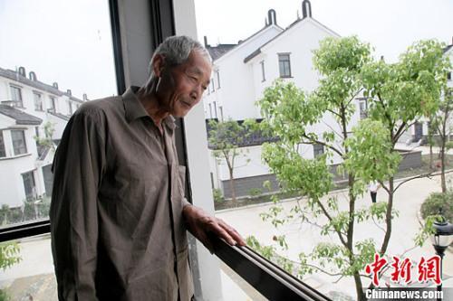"""中国官方:一户农民限一处宅基地 不得强迫农民""""上楼"""""""