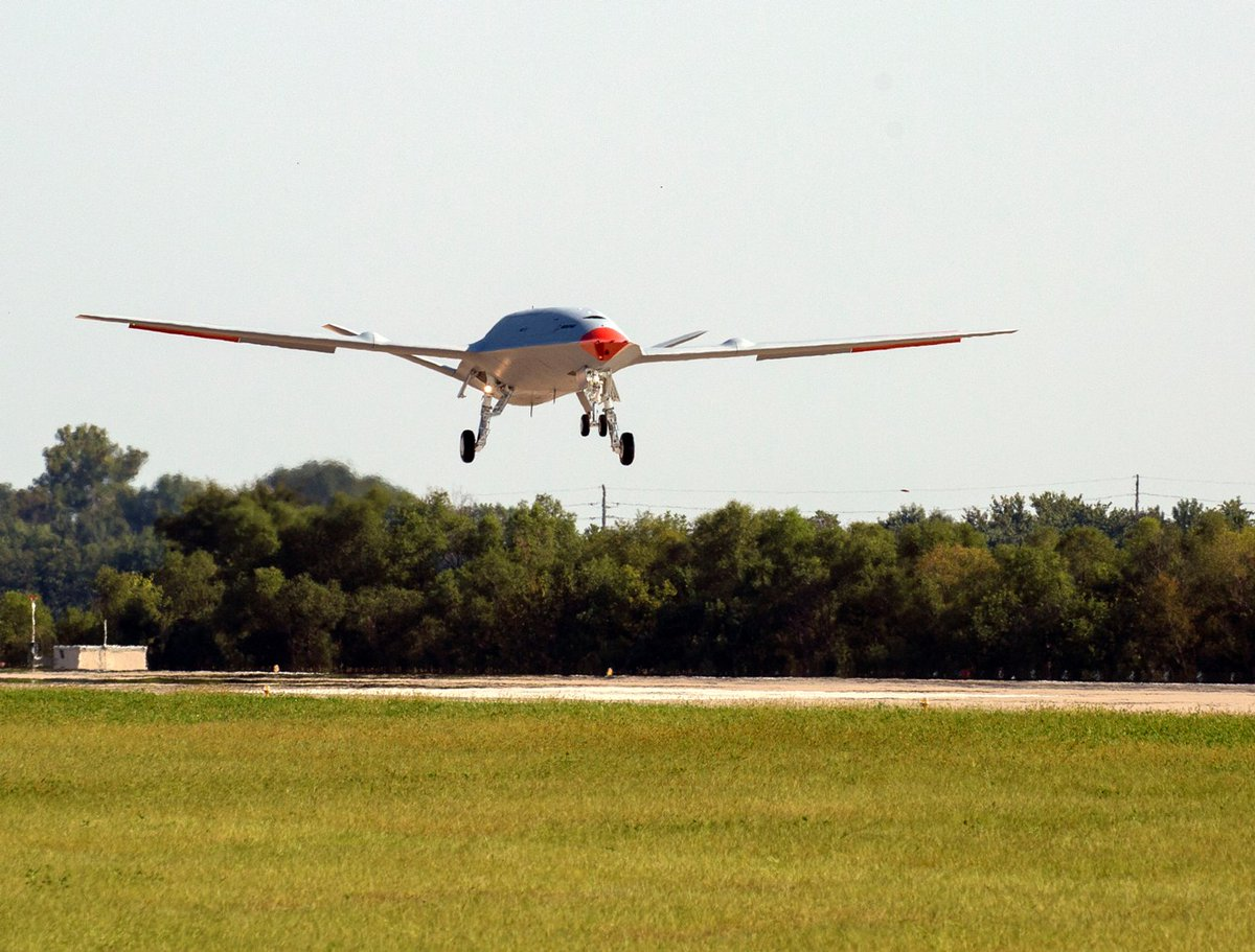 美军最新MQ25无人加油机首飞成功未来部署航母