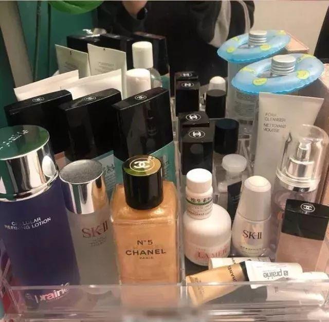 女人一生必败的化妆品,其实只有9件!_皮肤