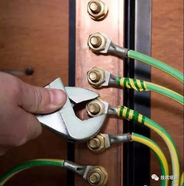 电工带电作业接线顺序及注意点,这才是重中之重!