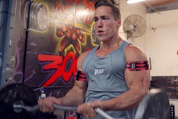 6个高效手臂训练动作,虐爆肱二头肌和肱三头肌,练出完美麒麟臂