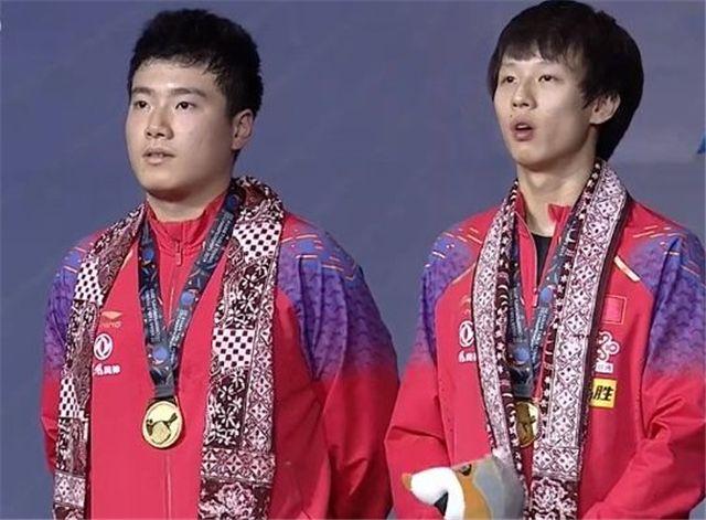 国乒男双世界第一组合爆冷丢金!梁靖崑外战太