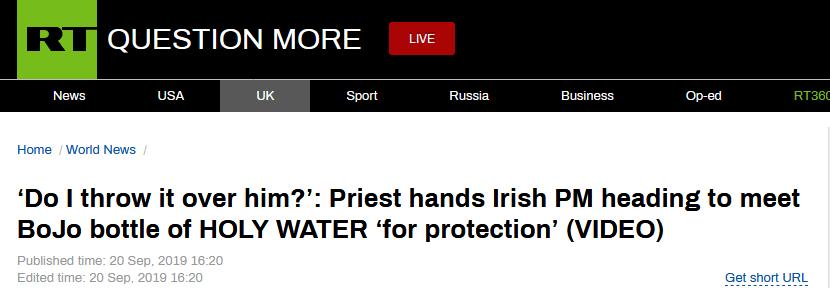 """""""额外保护""""?爱尔兰总理被牧师送""""圣水"""",调侃要洒到约翰逊身上"""