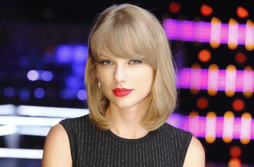 Taylor Swift成为《美国好声音》超级导师,主宰该节目!