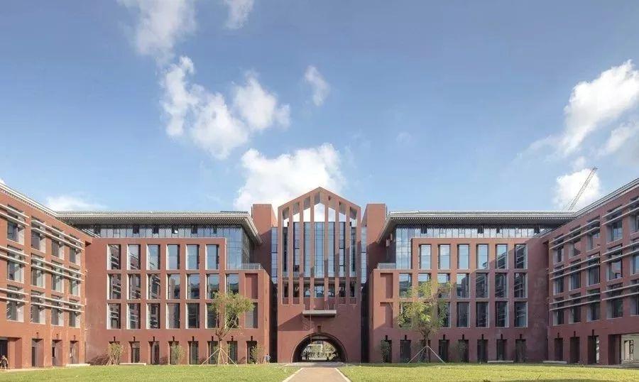 华南理工大学高分子专业是哪个学院