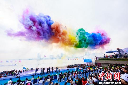 """20余国摩托艇选手陕西""""水上竞速""""助力""""小众""""项目发展"""