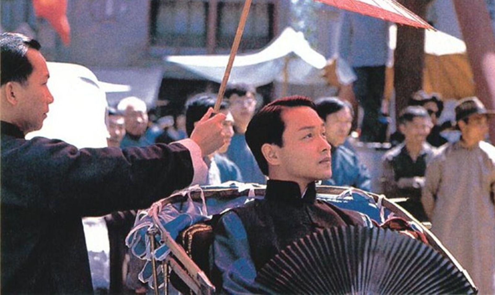 张国荣演的陈蝶衣,陈凯歌最初考虑并不是哥哥,而演末代皇帝的他
