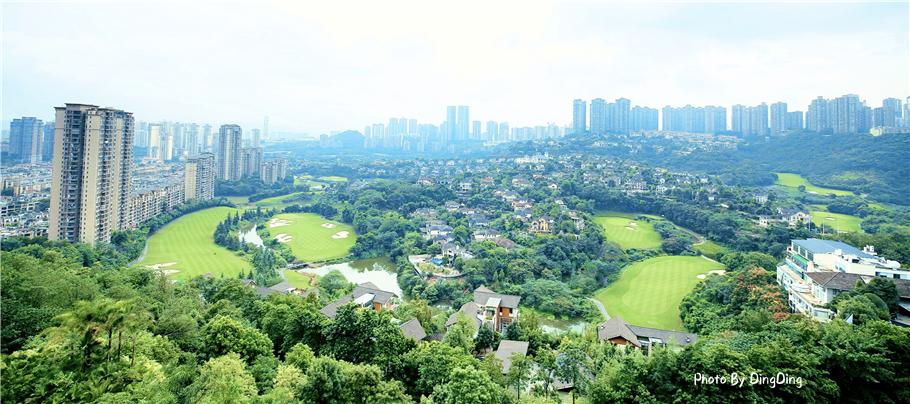 重庆被隐藏在山野中的避世酒店,在酒店躺着就可以看高尔夫球场