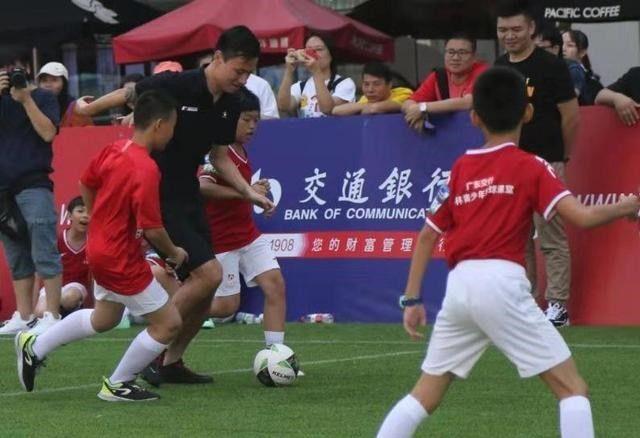 足球人口_苏州提2035年足改目标:足球人口达百万、足球特色学校300所、拥有