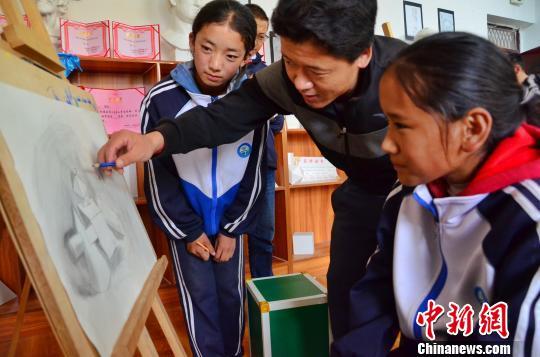 青海藏区见闻:幼有所育壮有所业老有所依