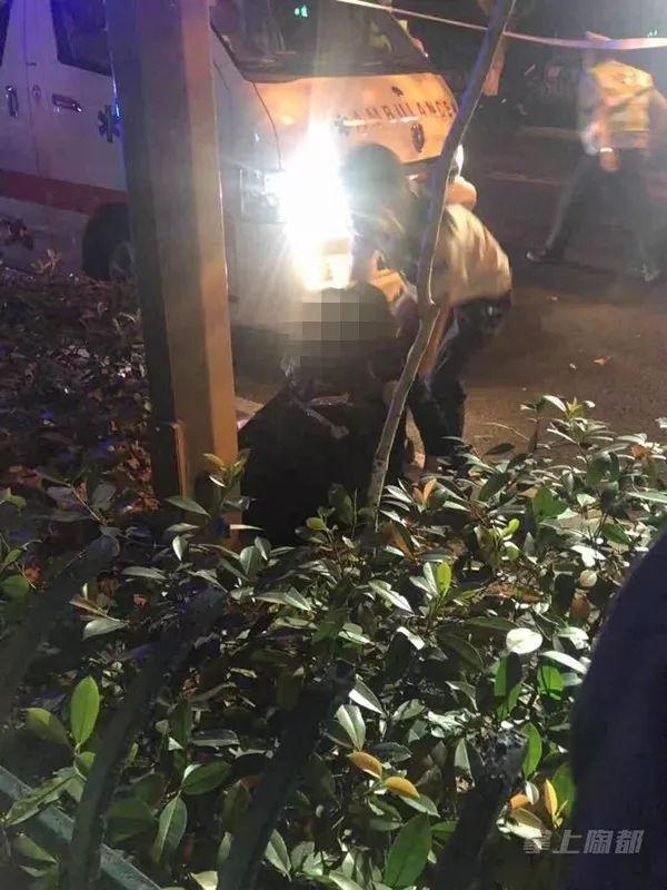 凌晨2点多宜兴东虹路发生一起惨烈车祸!