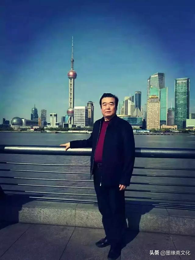 王雪涛;庄寿红,白雪石等城市指导学习;本人特长于花鸟牡丹,前辈,山水天际线写意教程图片