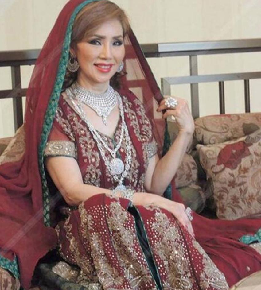 一位嫁给迪拜富豪的60岁女子:她的婚后生活令人难以想象