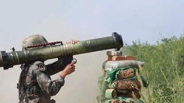 120火箭筒_火力不足恐惧症的终极产品之一:120火,步兵手中要有炮_目标