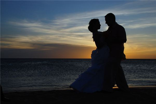 <b>平相居士:梦见亲人结婚有什么寓意</b>