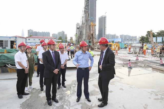 深圳再添新地标 许家印视察恒大超级总部大楼