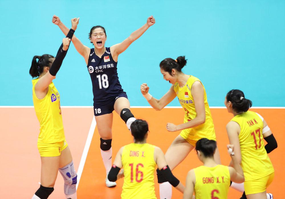 七连胜!中国女排战胜美国队