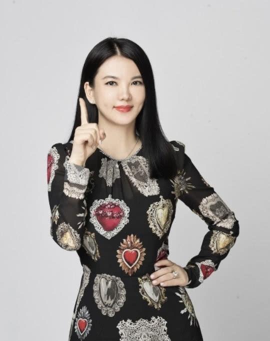 李湘报喜讯:家里添了一个新成员,网友看后表示:王诗龄有伴了