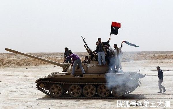 战斗打响,数架战机突袭首都,二百多人倒下!哈夫塔尔扭转战局