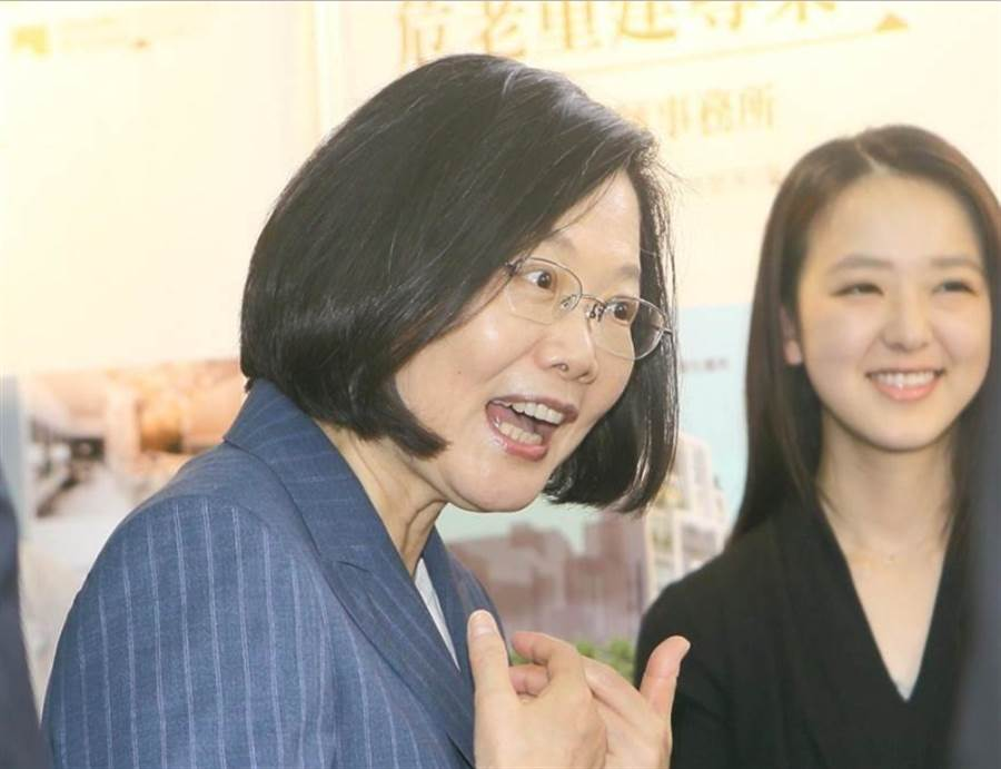台学者:蔡英文挑起两岸敌意是台湾不可承受之重