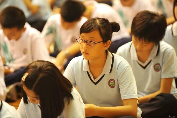 高考,天赋和努力哪个更重要看完清华学霸的抽屉,你就明白了!
