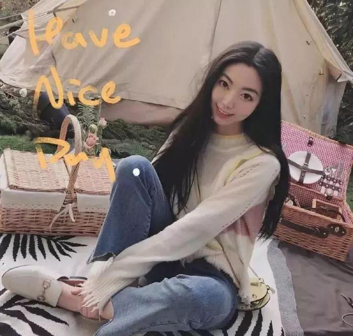 华裔美女被黑人操屄视频_90后丽水美女被马云点赞!独臂却月入超10万,励志!