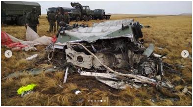 俄罗斯大型军事演习出意外:两辆装甲车从空中急速坠毁